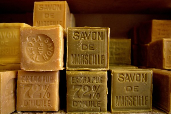 23. Savons de Marseille et produits dérivés - Thierry De La Marck