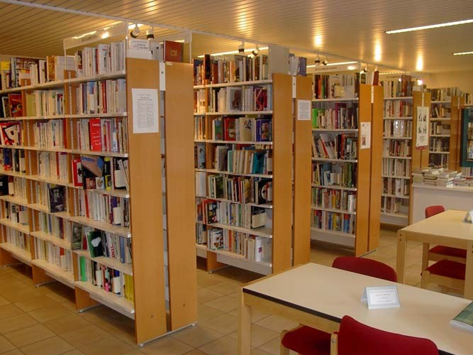bibliotheque section adultes