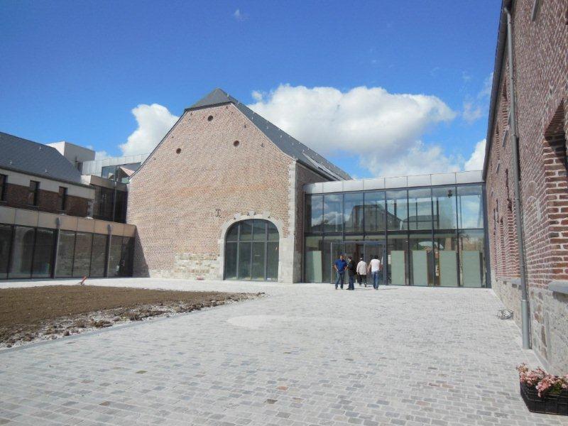 cour maison communale aout 2012